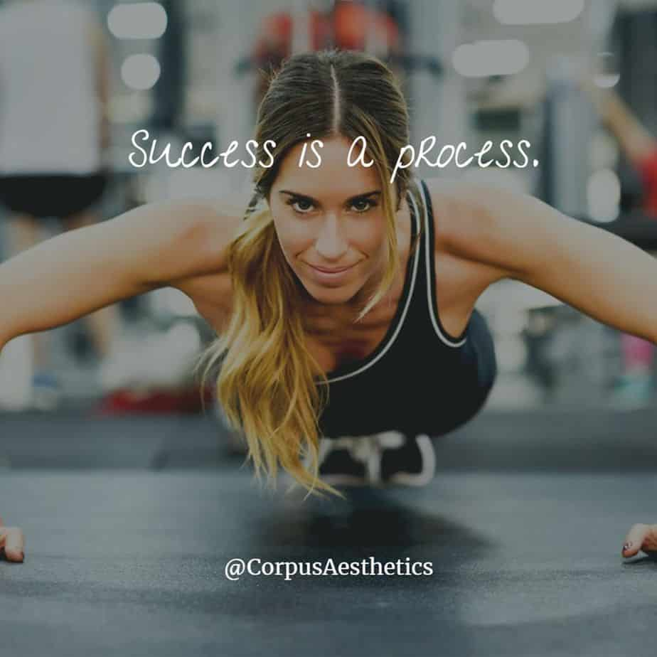 fitspirational quotes, Success is a process, a girl has a weightloss training with push-ups in the gym