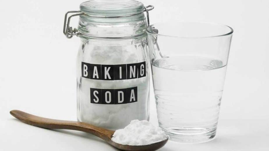 Teaspoon of baking soda and a glass of water, home remedy for overeating