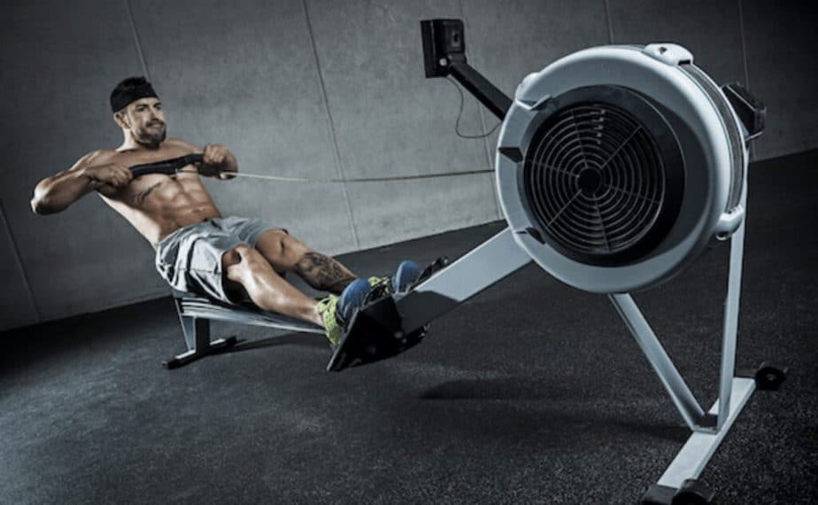 A muscle building on rowing machine