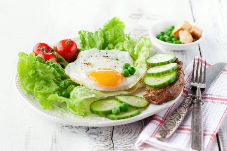 A plate of allowed food for protein diet.