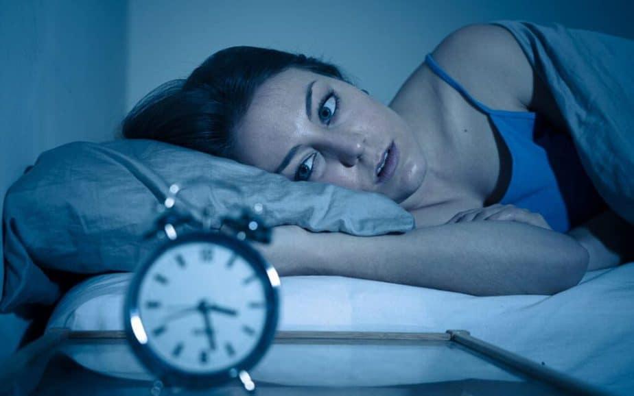 A girl can't sleep.