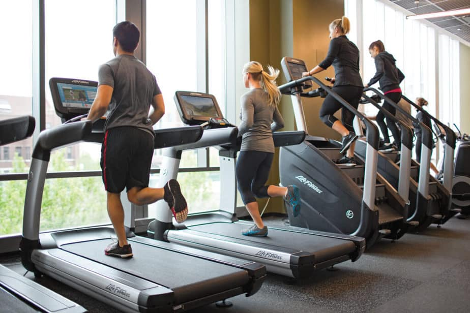 Cardio training at the gym for getting instant energy.