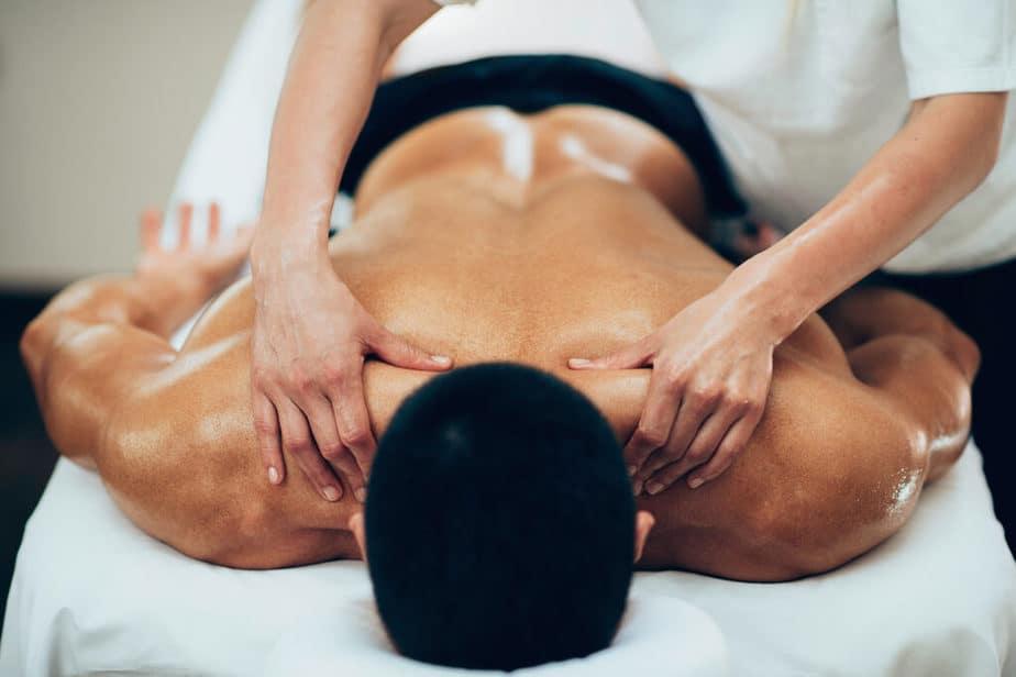5 Ways to Effectively Massage Your Partner - partner massage.