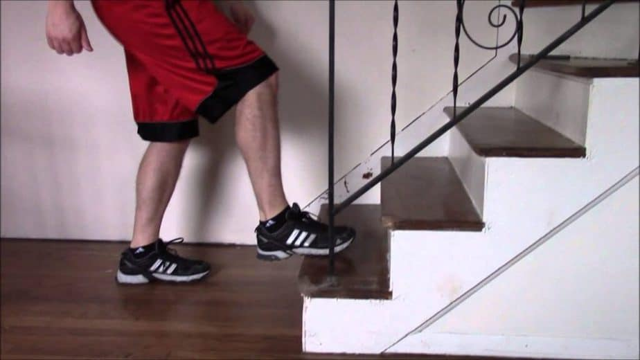 Best Exercises to the Step Without Pain - step on stairs.
