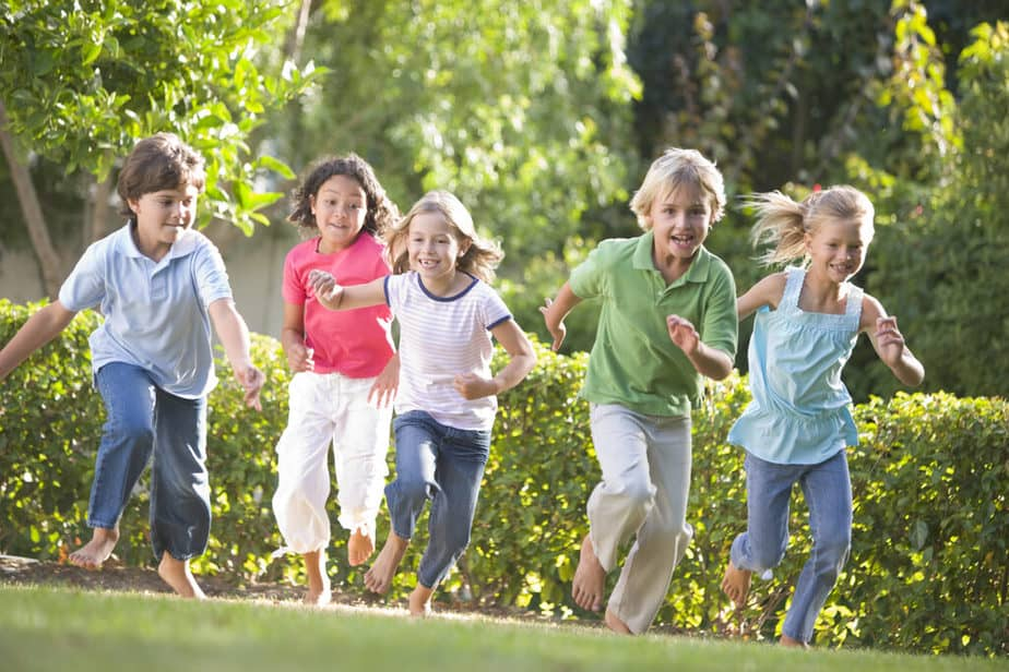6 Home Remedies Every Parent Should Know About Seasonal Allergies  - kids playing outside.