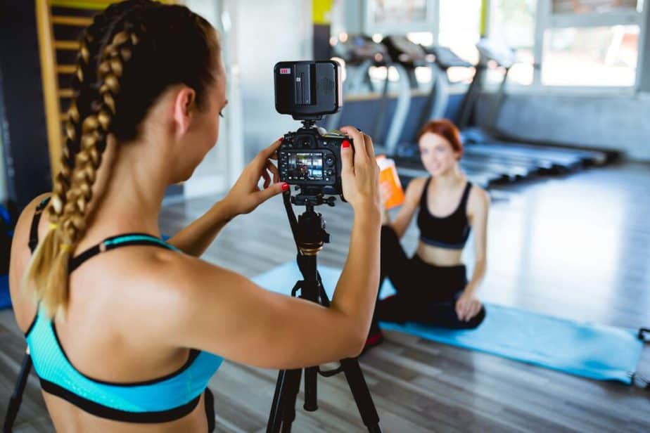 5 Social Media Tips to Grow Your Fitness Business - Fitness influencer.