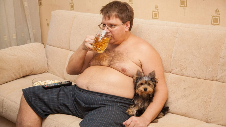 Diet and important facts you must not forget - a fat guy is drinking beer.