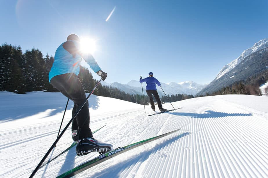 Holidays in Nature - a Healthy Way for Fat Burning - cross country skiing.